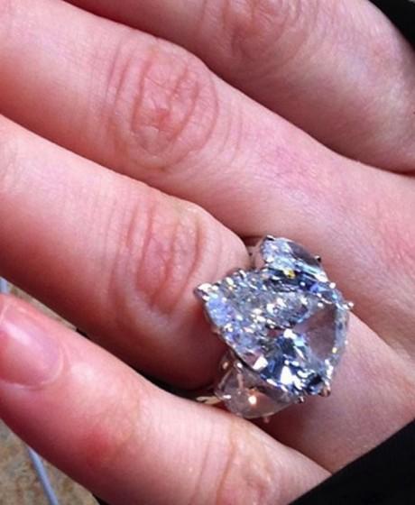 Bon Avrilwedding And Ring